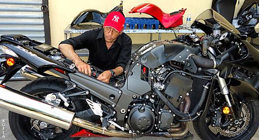 Garage Kawasaki Ninja ZX14 Kofla Olivieri